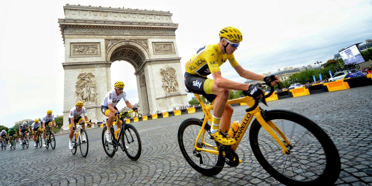 stage-21-froome-hero